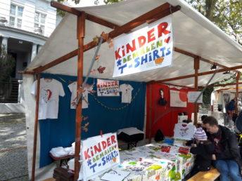 T-shirts bemalen auf dem Stadtteilfest
